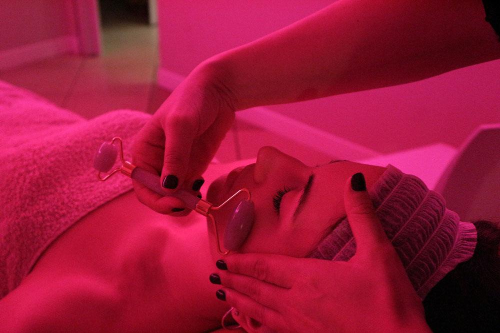 Gua Sha trattamento effetto Botox naturale